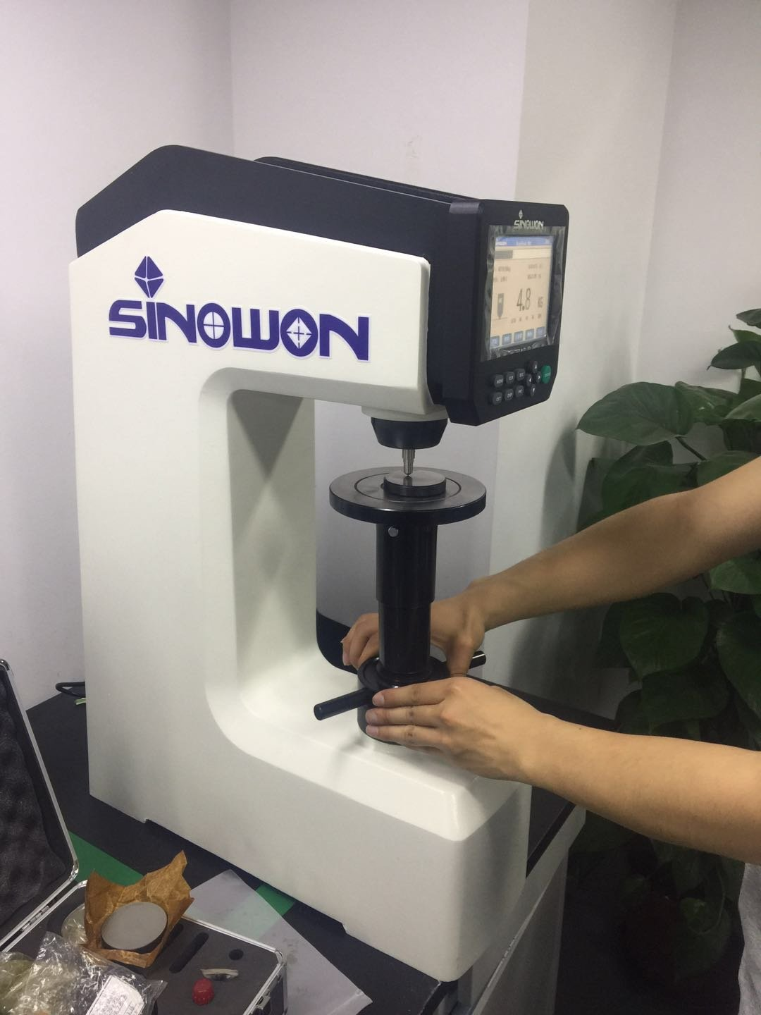 DigiRock DR3 Rockwell Hardness Tester had been exported to Italy in year 2017